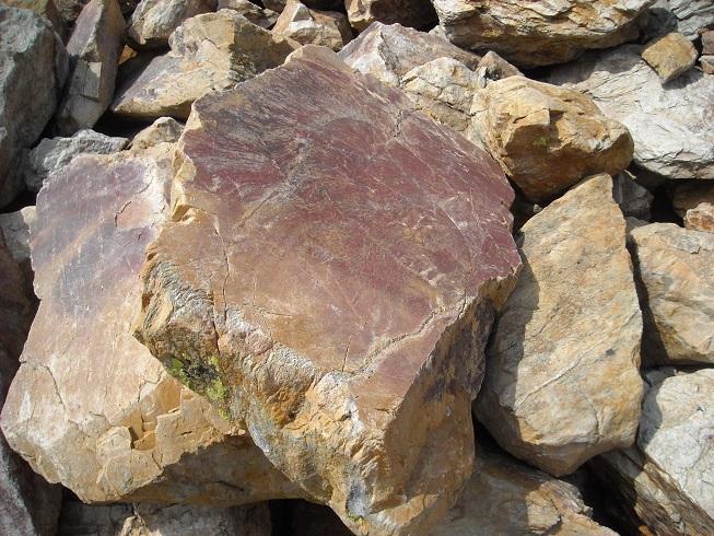 камень с обработкой2