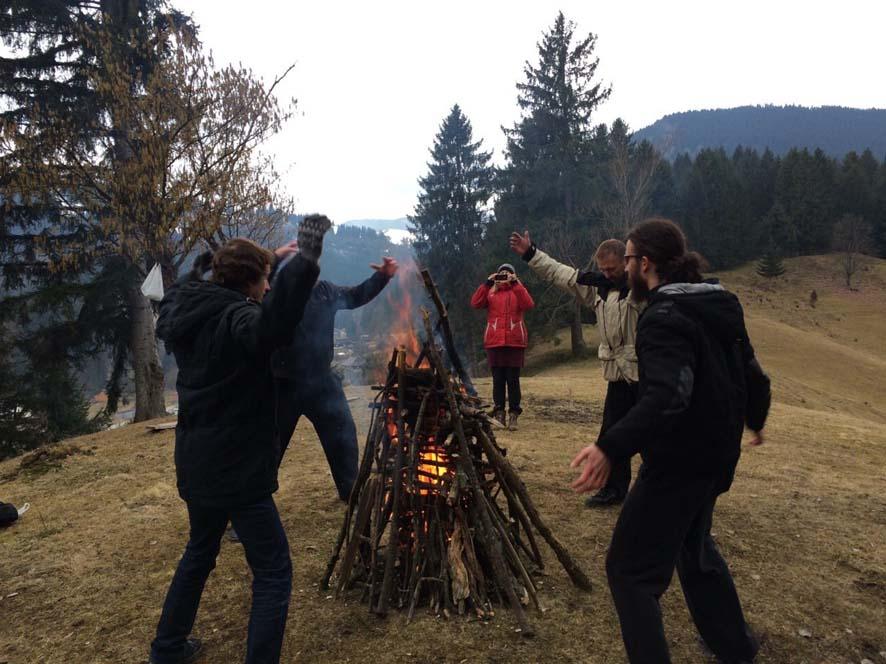 Мы раздуваем огонь